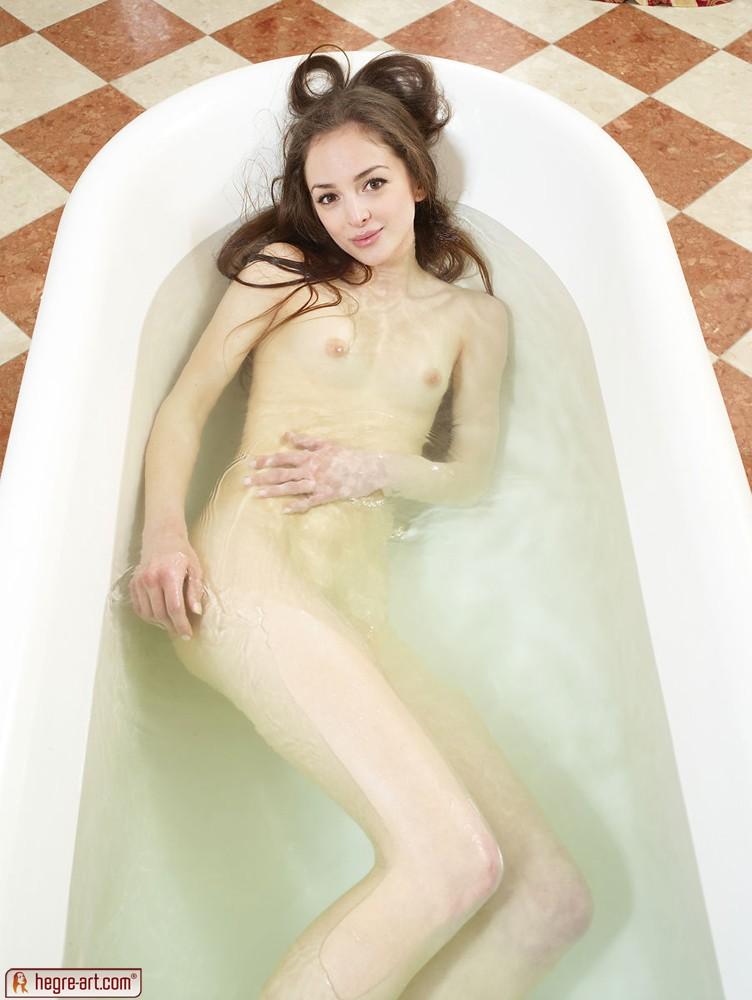 nextdoormania pics3 hegre mirabell bathing01